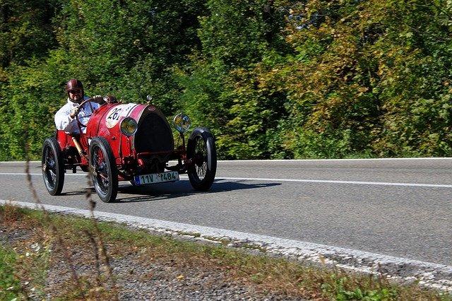 bugatti závodní auto